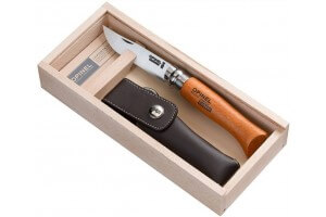 Coffret Opinel tradition n°08 lame carbone 8.5cm + étui
